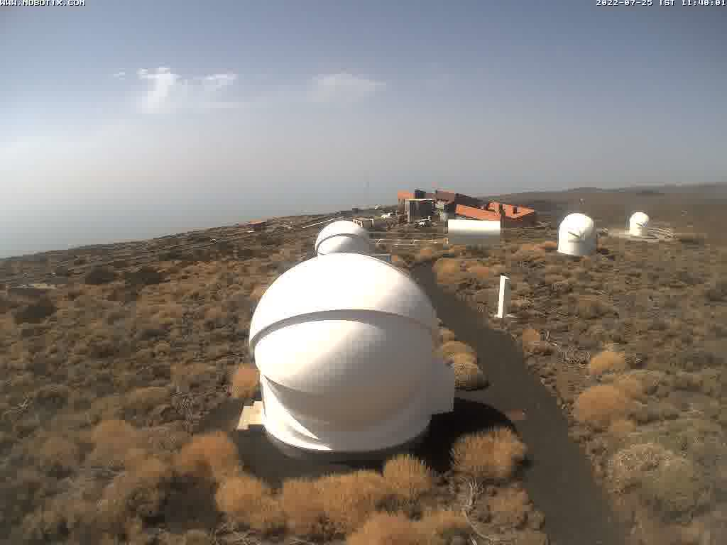OpenScience Observatories: Webcams